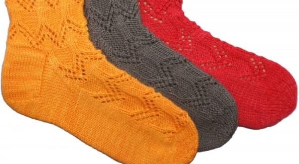 Chevron de Paix knitted socks by Debbie Tomkies