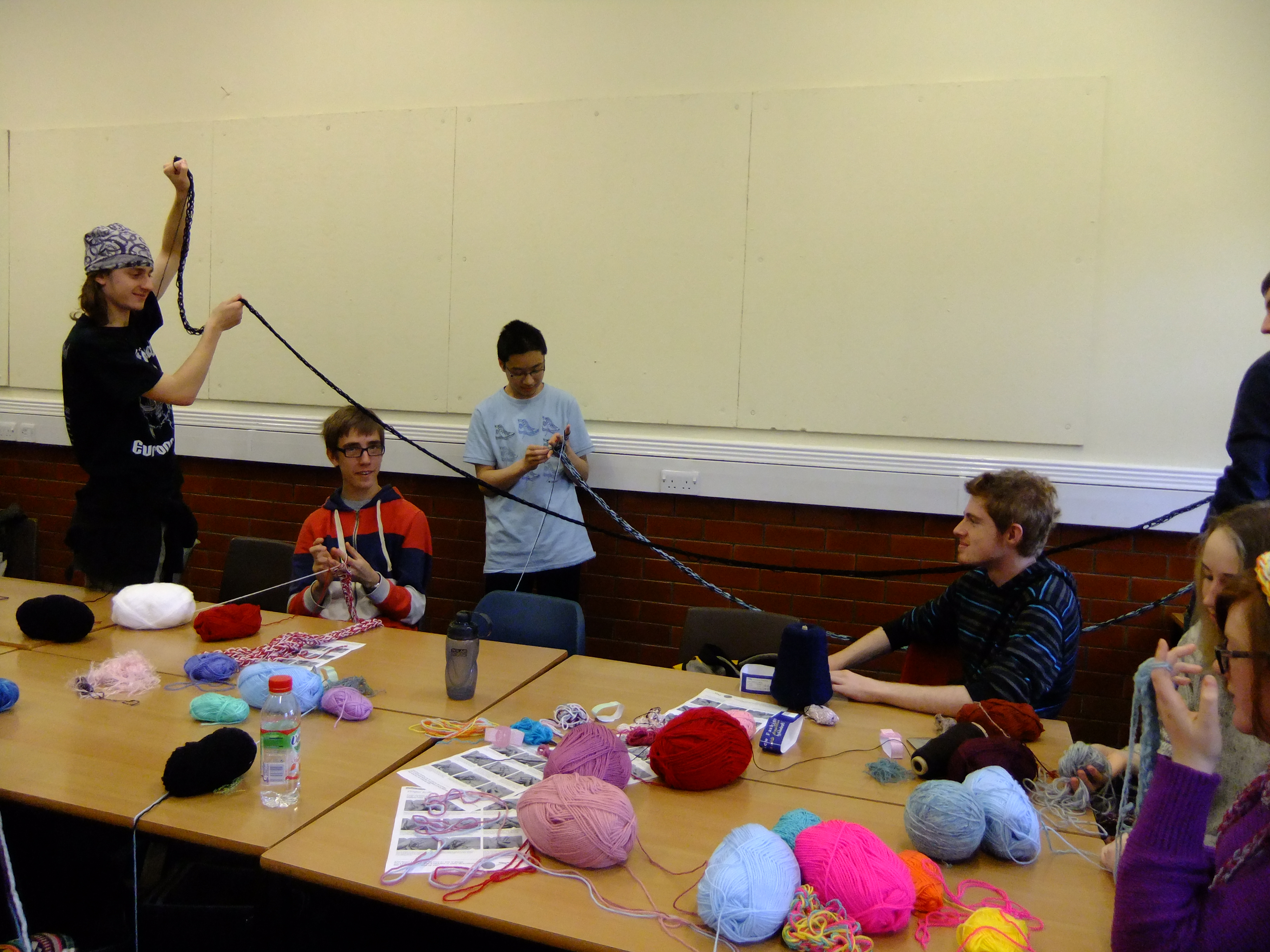 finger knitting session as part of a schools enrichment programme