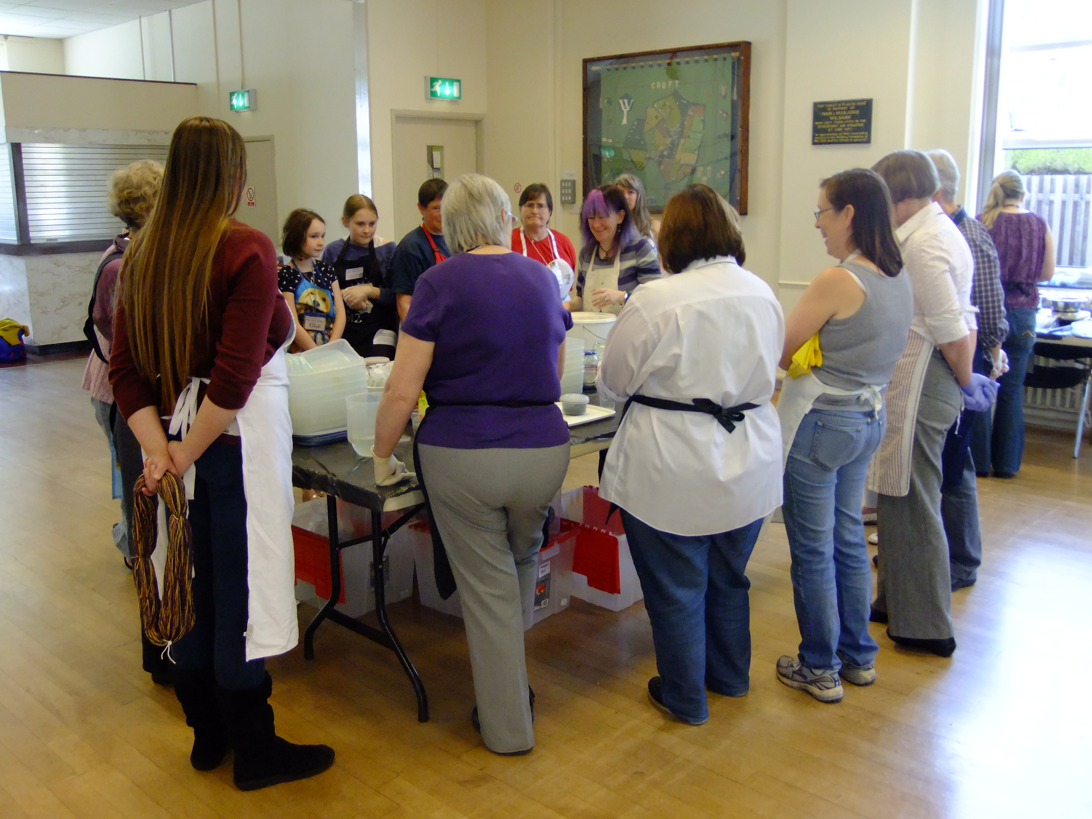 Debbie offers expert advice and tips to a group of students at an indigo dyeing workshop