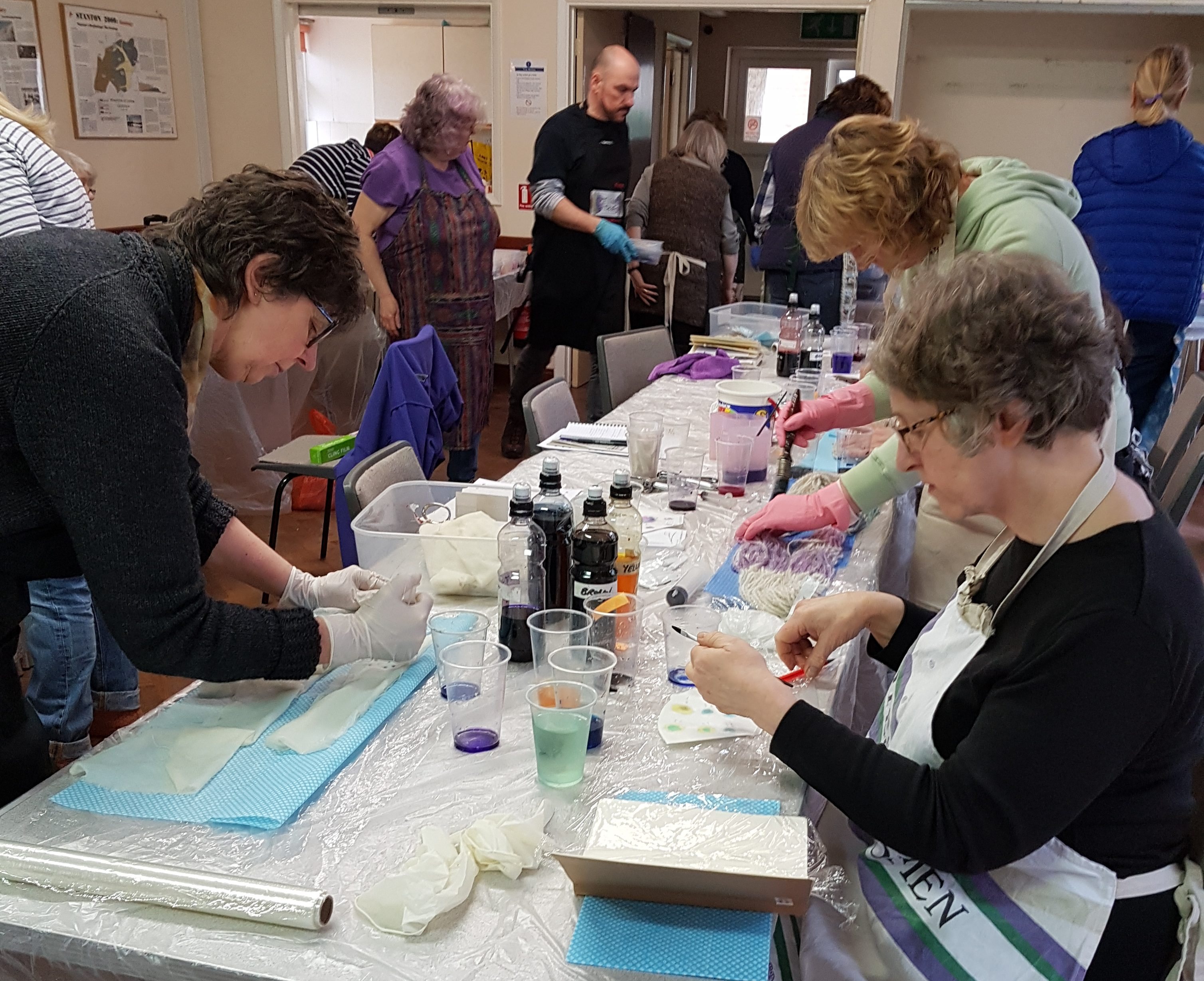 Oxford Guild of Weavers, Spinners and Dyers - Introduction to dyeing with synthetic acid dyes with Debbie Tomkies of DT Craft and Design
