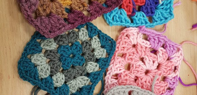 crochet for beginners workshop with Debbie Tomkies 04